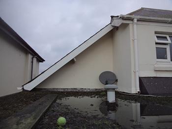 Defective flat roof