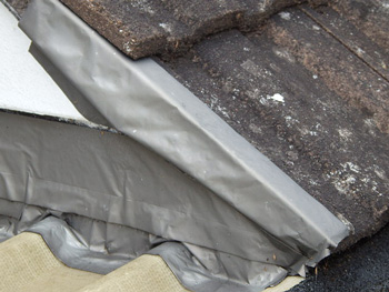 Poor quality roof detail